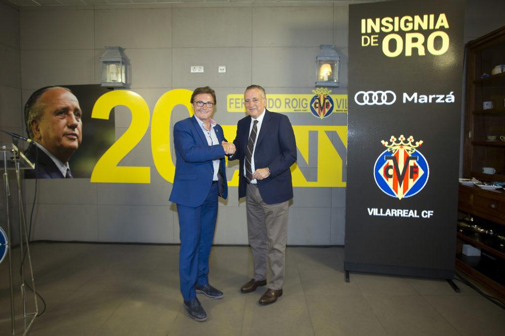 Marzá recibe la insignia de oro del Villarreal CF